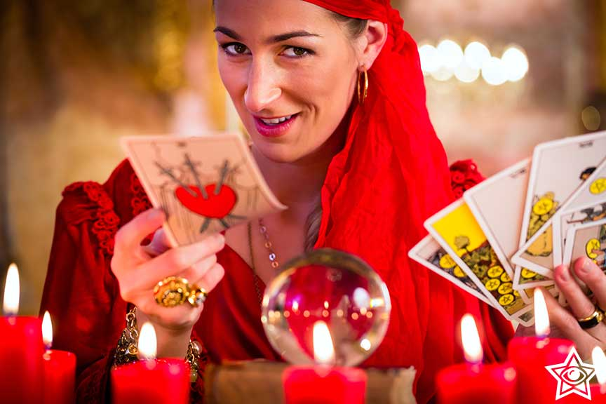 Live Fortune Tellings Online - Accurate Psychic Lines
