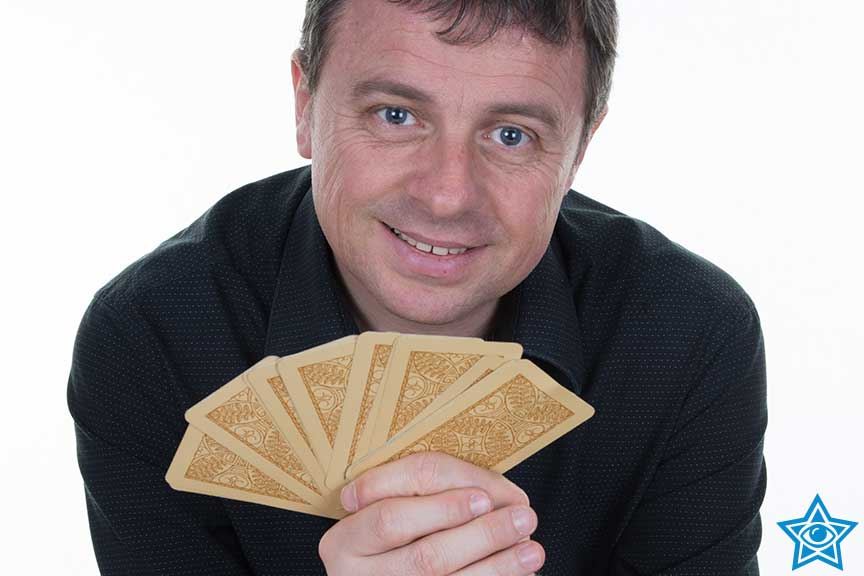 Psychic Tarot Professionals - Accurate Psychic Lines